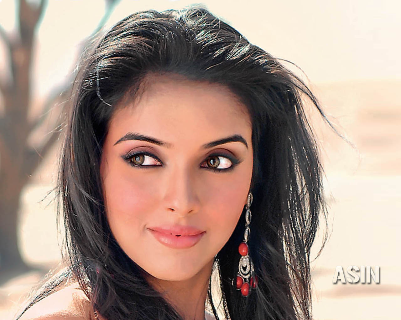 Asin indian hot actress